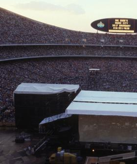 http://Audience%20at%20Day%20On%20The%20Green%20concert%20featuring%20Eagles%20at%20Oakland%20Coliseum%20on%20May%2028,%201977%20in%20Oakland,%20California.%20(Photo%20by%20Brad%20Elterman/FilmMagic)