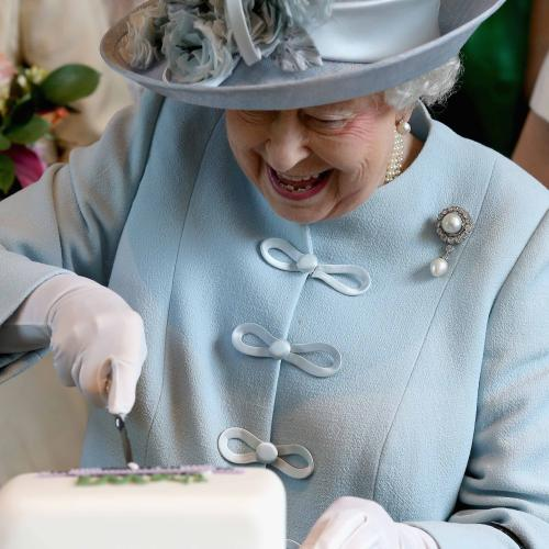 Get Ya Aprons, A Job Cooking For The Queen Has Just Opened