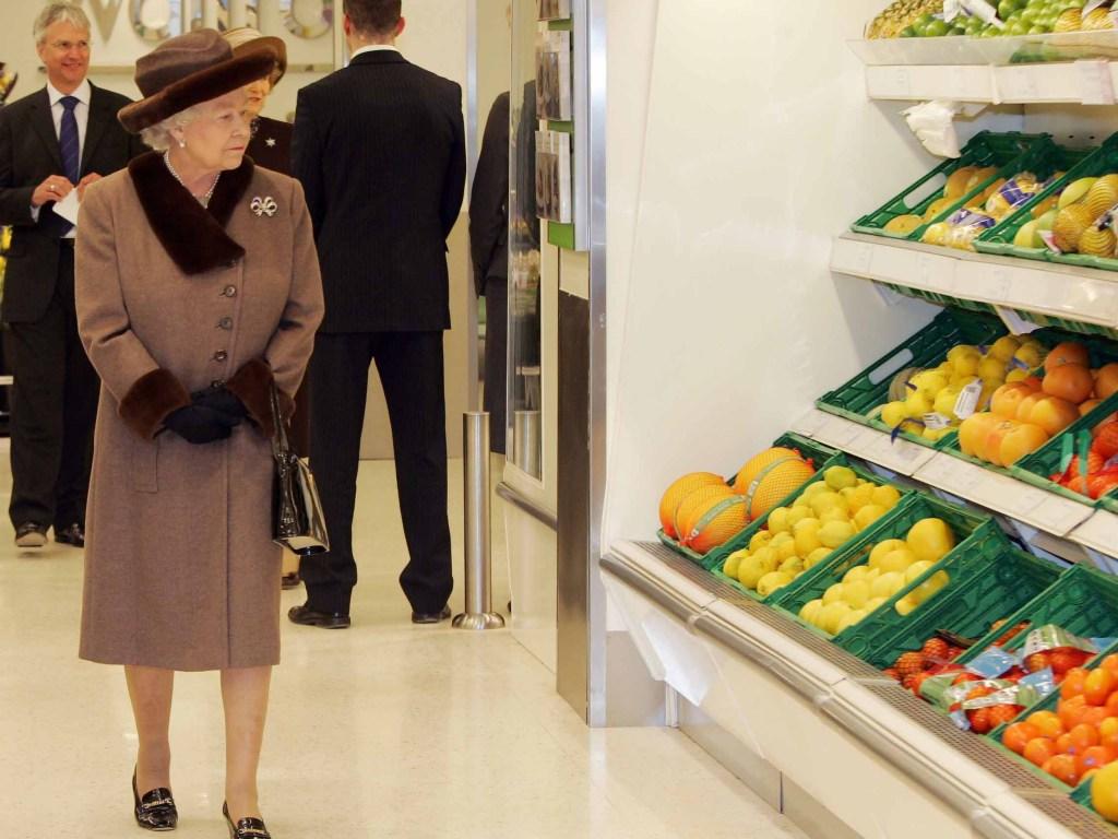 Queen at supermarket