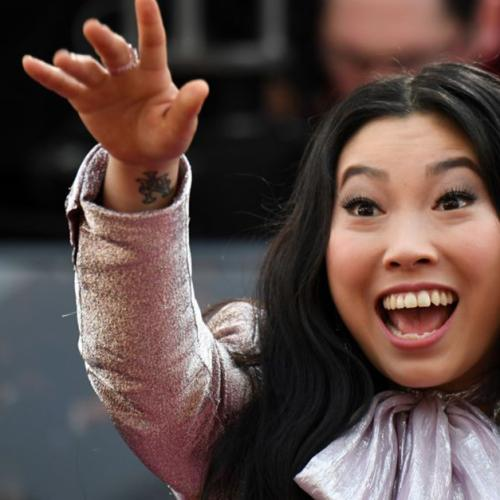 Our Oscar Goes To Awkwafina Whose Purse Doubled As A Flask