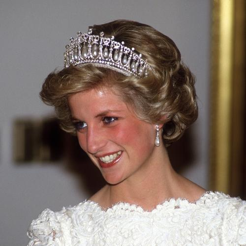 The Crown Officially Has Its Young Princess Diana!
