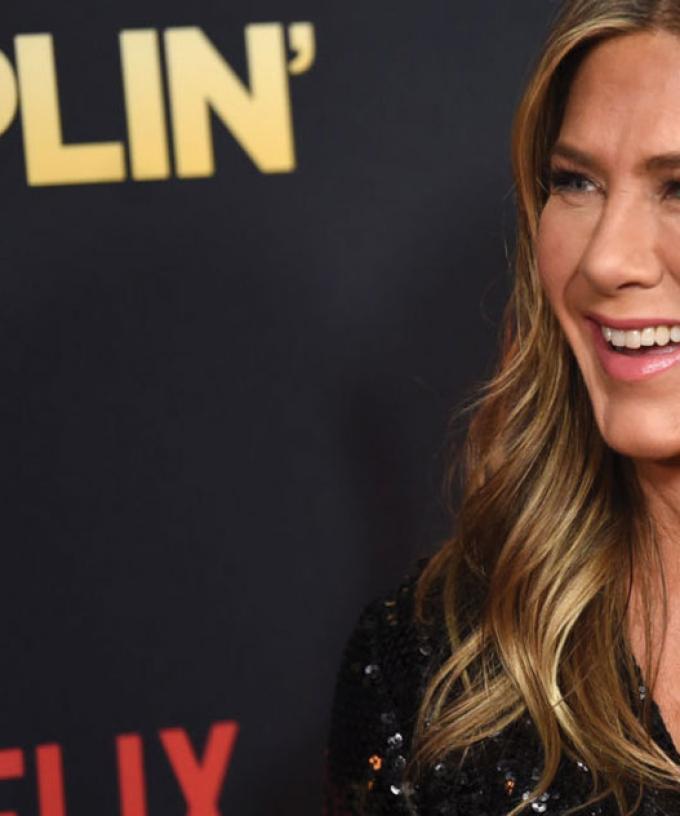 Jennifer Aniston Tells Ellen Friends Cast Wants A Reunion
