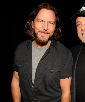 http://Pearl%20Jam's%20Eddie%20Vedder%20and%20Billy%20Joel%20backstage%20during%20a%20concert%20benefiting%20the%20victims%20of%20Hurricane%20Sandy%20in%202012.