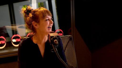 British Comedian Mandy Knight Cracks Botica's Bunch Up!