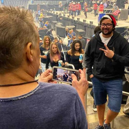 This Music Fan Didn't Realise That He Asked Eddie Van Halen To Take His Photo
