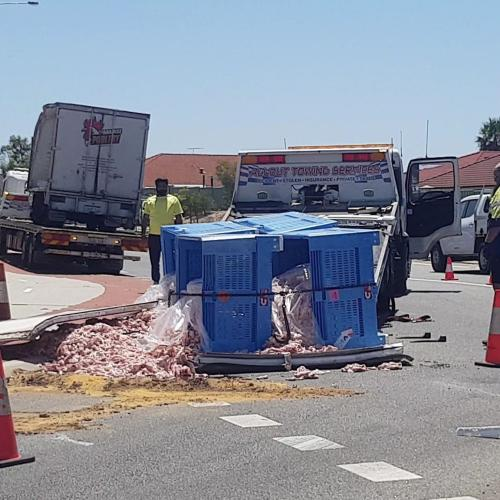 Truck Carrying Chicken Pieces Loses Entire Load In Perth