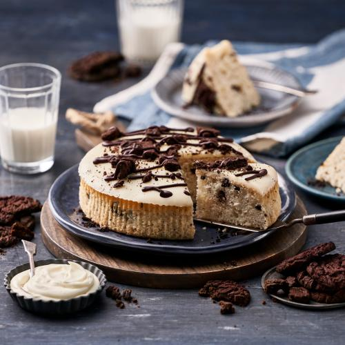 Woolworths Launches Limited Edition Cookies & Cream Mudcake