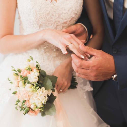 Woman's Bizarre Wedding Day Plans Draws Massive Criticism