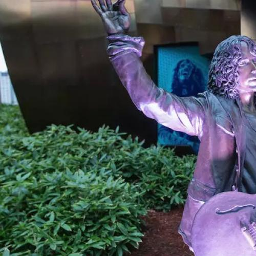 Chris Cornell Statue Vandalized Outside Seattle Museum Of Pop Culture