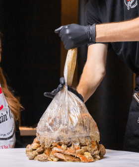 This Aussie Restaurant Serves Seafood In A Bag, With No Table Manners Required