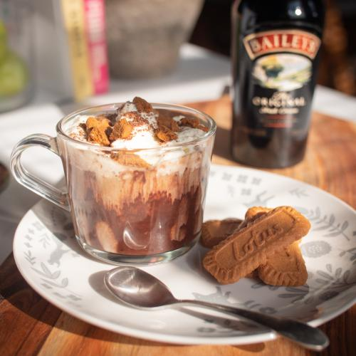 Here's How To Make An Boozy Bailey's Biscoff Hot Choccie