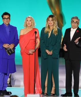 The Schitt's Creek Cast Were Basically The Rose Family As Emmy Awards Teleprompter Fails